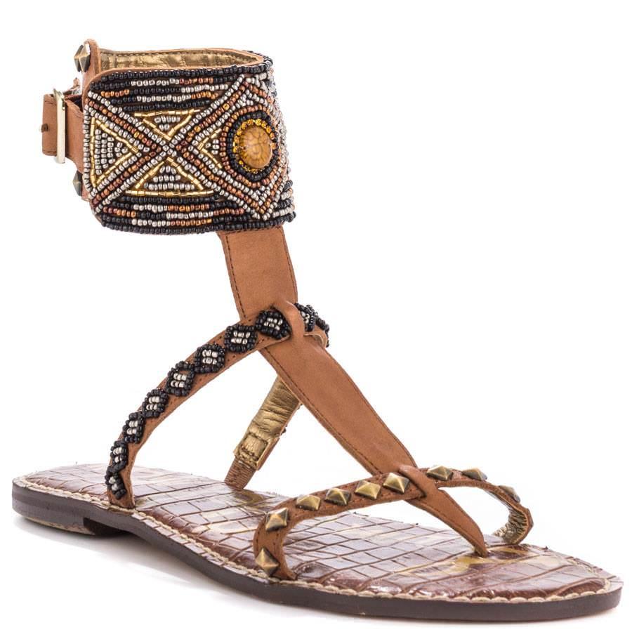 4 Flats sandals free