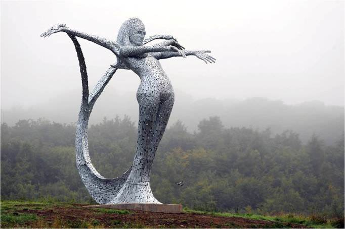 Arria by Andy Scott, one of the highest murmaid sculptures (10 meters high), Scotland UK