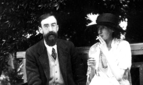 Bloomsbury Group, Lytton Strachey and Virginia Woolf
