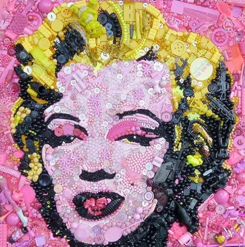 Marilyn Monroe button art