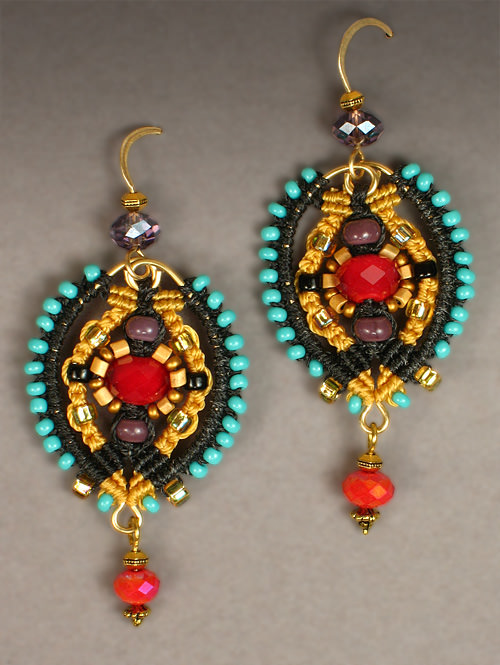 Palazzo earrings in marigold and black