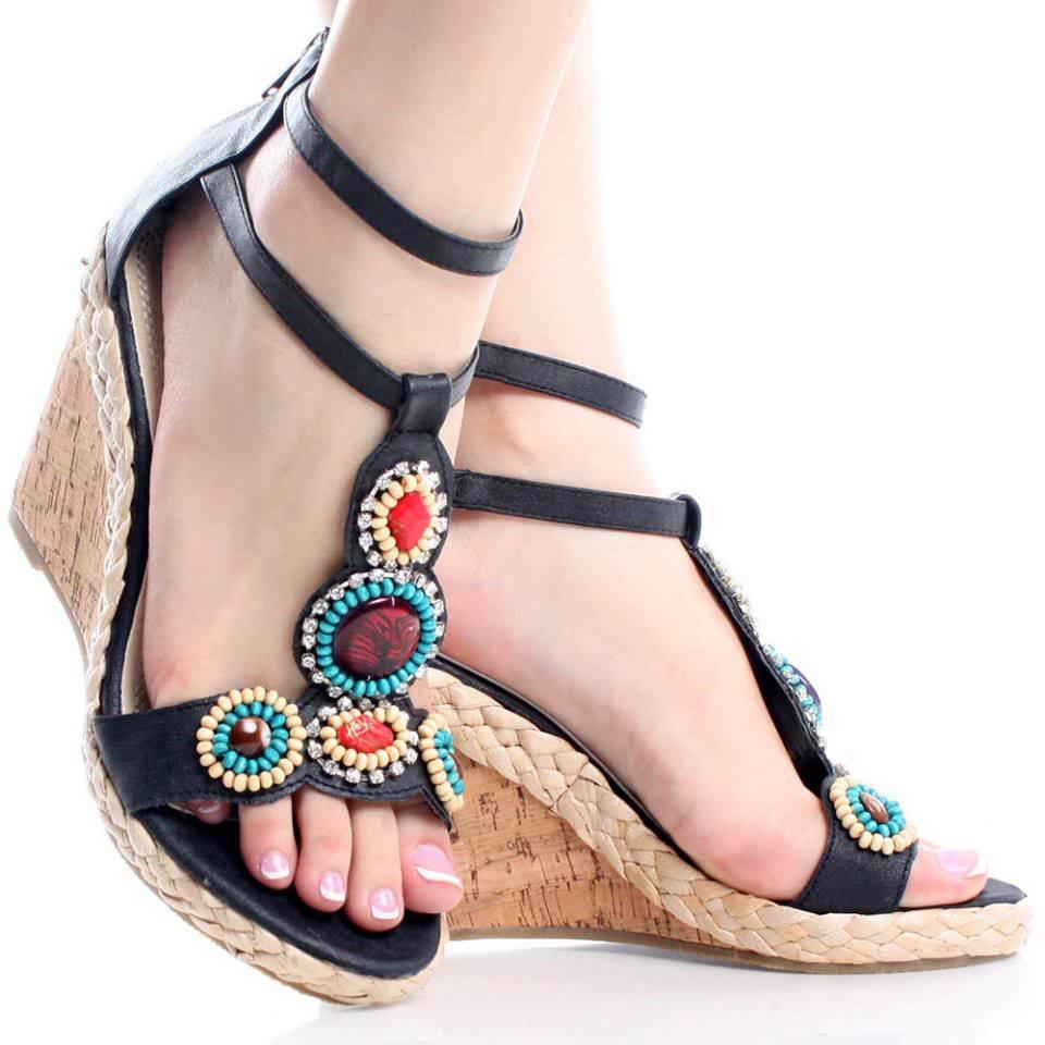 platform sandals black with acesories
