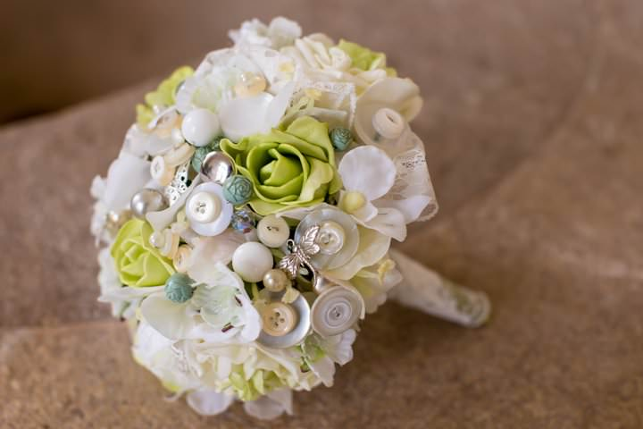 weding flowers from buttons 11