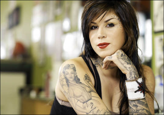Female tattoo as art world of the woman for Girl tattoo artist