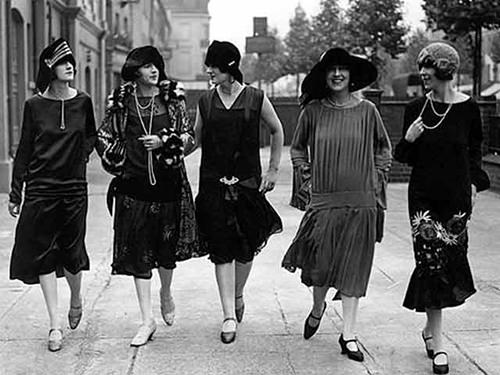 litle black dress in 1920