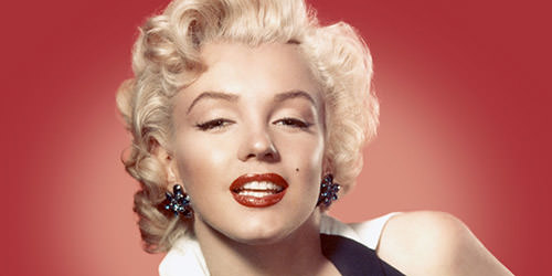 marilyn monroe with red lipstick