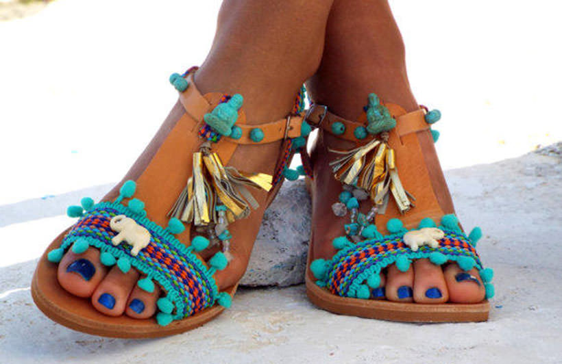 1 Pom Pom Sandals one color