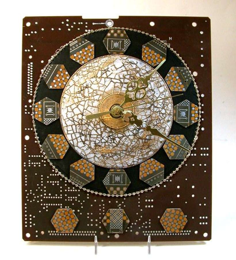 Recycled clock 8